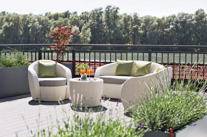 50 m² Wohnraum, getrennter Wohn- und Schlafbereich, großzügige Ausstattung, herrliche Aussicht auf den Inn