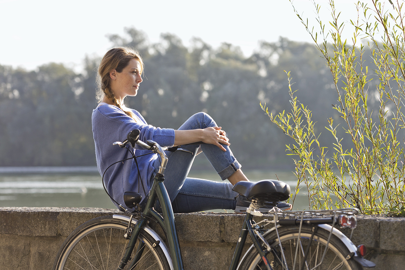 Sanfte Bewegung, wie Radfahren, unterstützt Sie ideal beim Fasten.